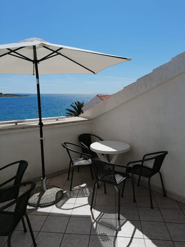 Apartment Ivana 2 Family with sea view