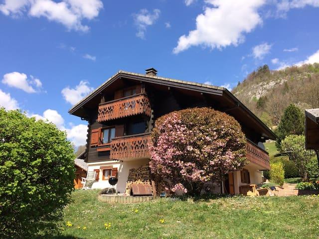 Chalet tout confort et au calme au cœur des Alpes - Mieussy - Xalet