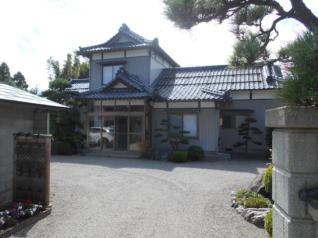 入母屋造り 日本家屋 Japanes  irimoya - Gosen-shi - Rumah