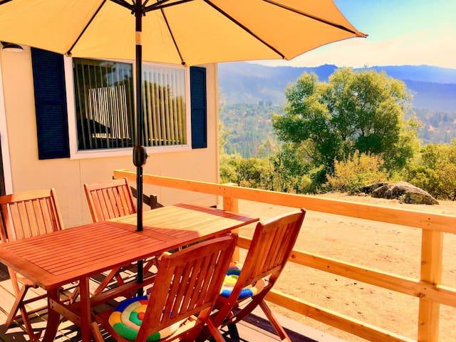 Mountain House w/ views near Yosemite & Bass Lake