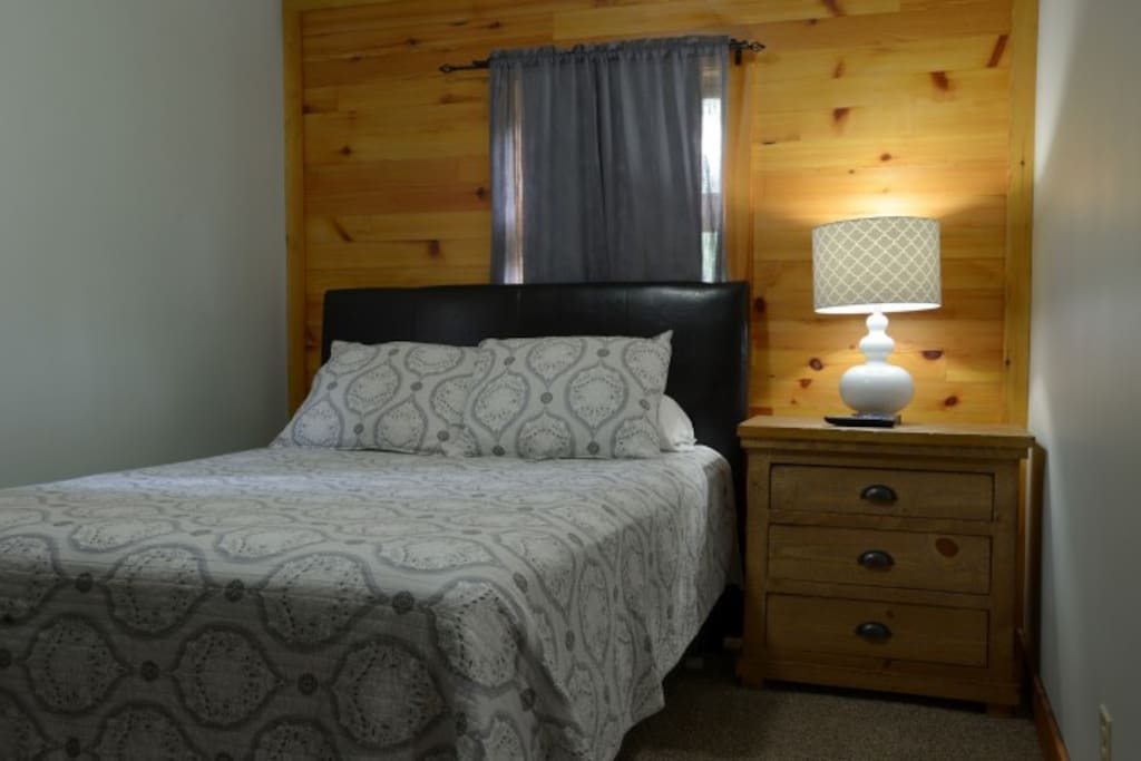 Private Bedroom, Queen Size Bed, Large Room with Flat Screen TV.