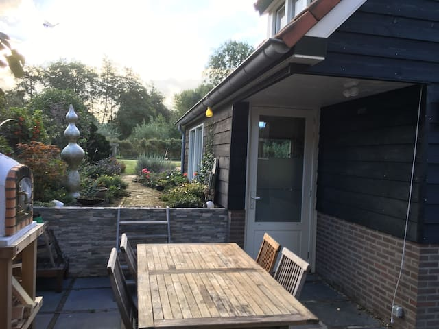 Cosy cottage in the countryside next to Rotterdam - Capelle aan den IJssel - Talo