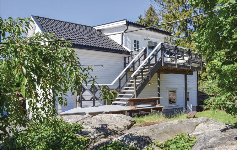 Holiday apartment with 2 bedrooms on 55m² in Eydehavn