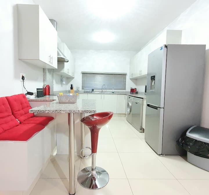 Luxurious 3 Bedroom Executive Apartment| Essenwood