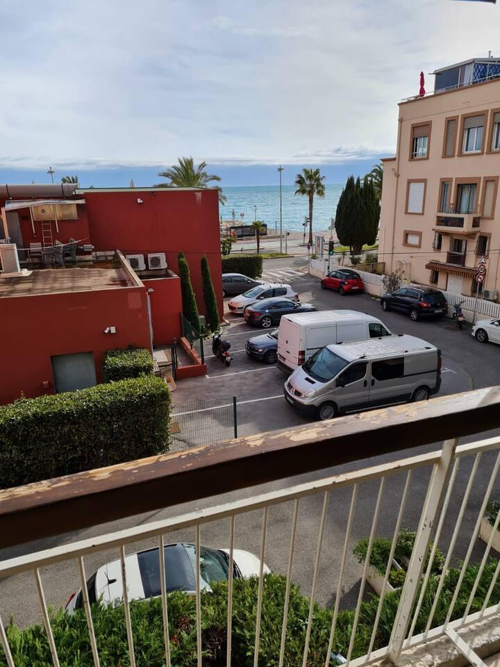 Studio 29m2 bord de mer rénové + terrasse