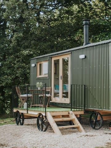 Dane Valley Shepherd Hut at Whitelee Farm, Wincle