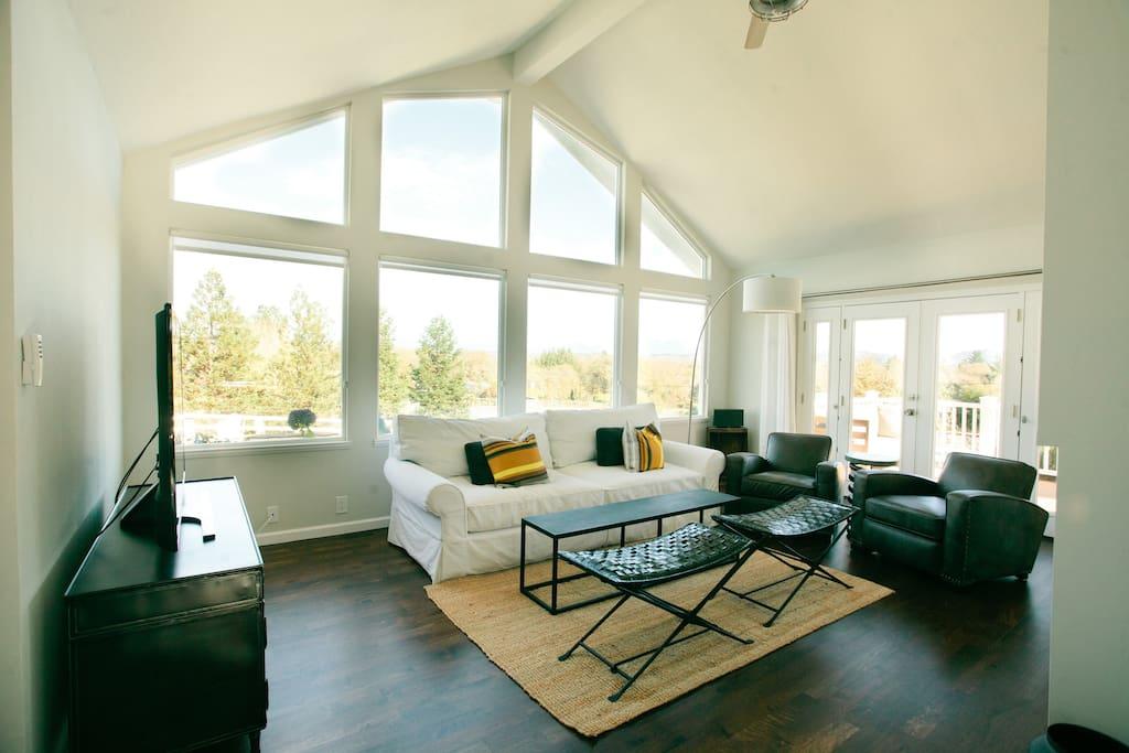 Living Room & Views!