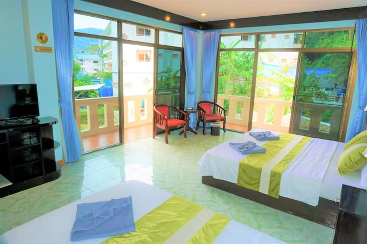 Comfortable Triple Room with 2 balcony,good view