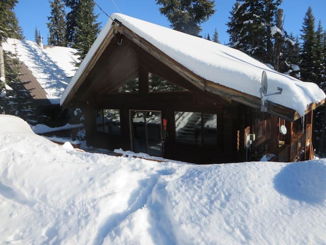 Apex Mountain Log cabin-Quite and Private -  Hedley, - บ้าน
