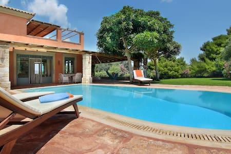 Vouliagmeni Villa-60% Discount for extra nights! - Vouliagmeni