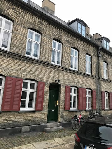Gernersgade Studio, 21, 1