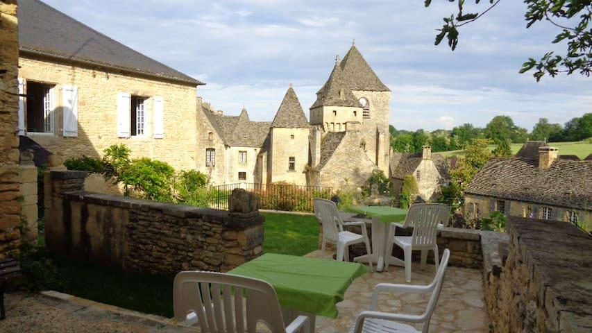 Chambre Chez Mémé louise proche Sarlat-Lascaux