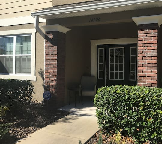 Nice quiet residential townhome - Tampa - Townhouse