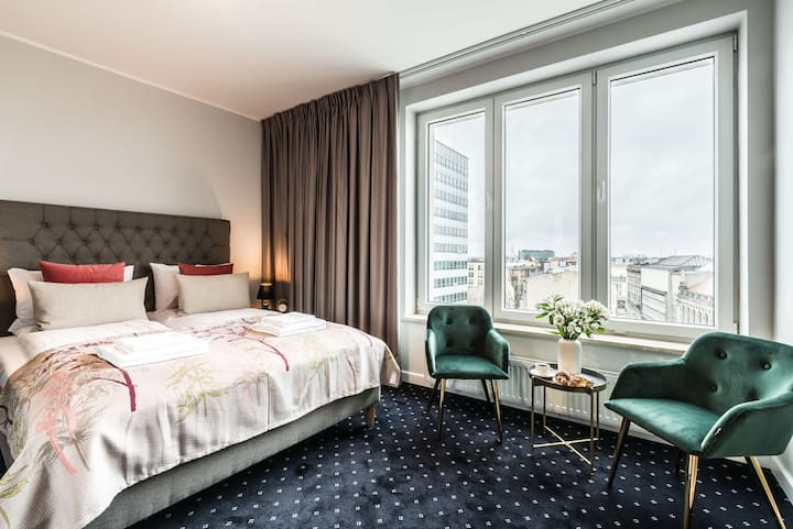 Deluxe room with city view in Serenity