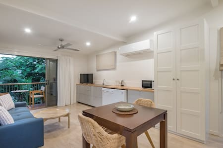 The Loft on Noosa Hill