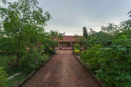 Lawrence's Villa (2) - Mannar