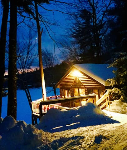 Cozy Cabin On A Lake Stunning Views - Weare - Hytte