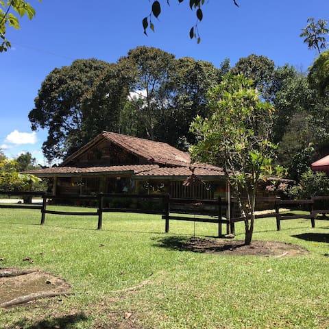 La Casa de los Chilcos - Rodeada de naturaleza - Rionegro - Ev