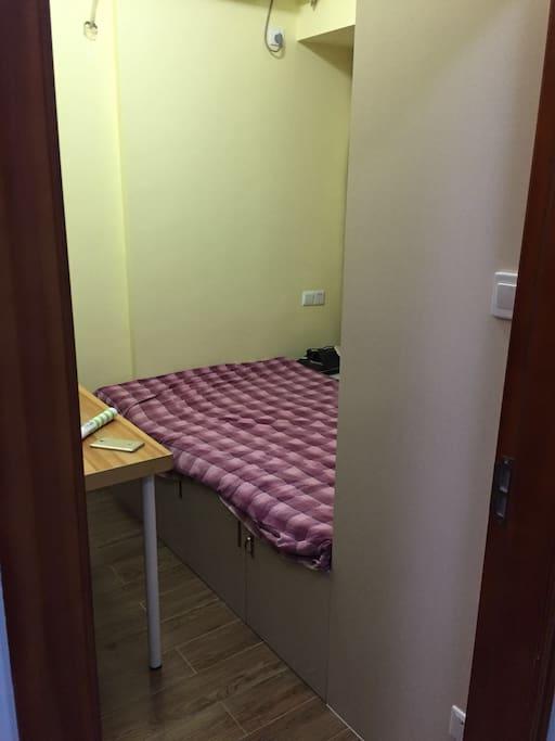 小书房 1.2米宽2米长的床