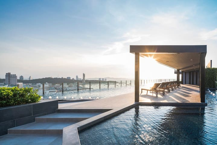 Pool sky panorama sea view. - เมืองพัทยา - Appartement