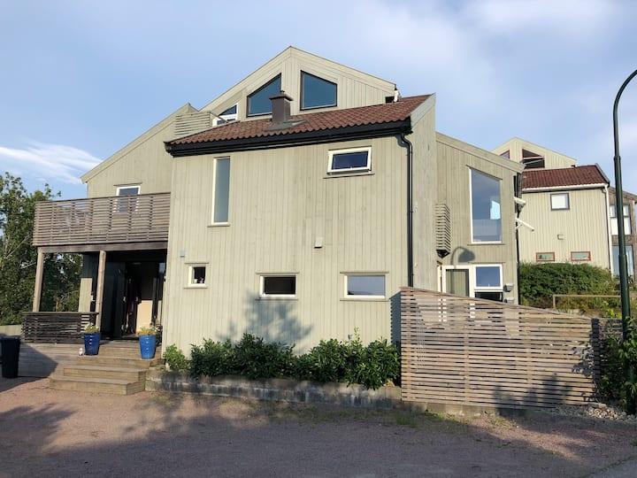 Stor familievennlig bolig med utendørs badestamp