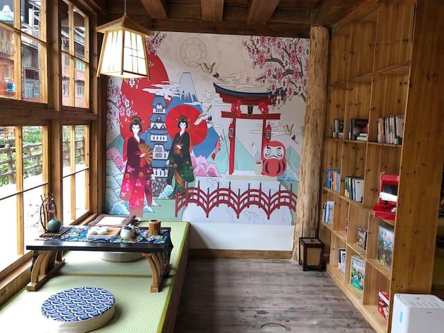 肇兴02 肇兴侗寨中心区域 日式和风 阳台 河景 免费提供大量和服汉服试穿拍照。