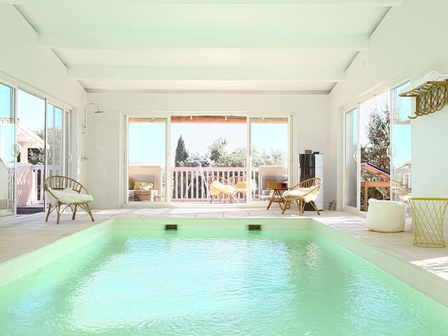 Es Vedrà, accommodation with shared indoor pool