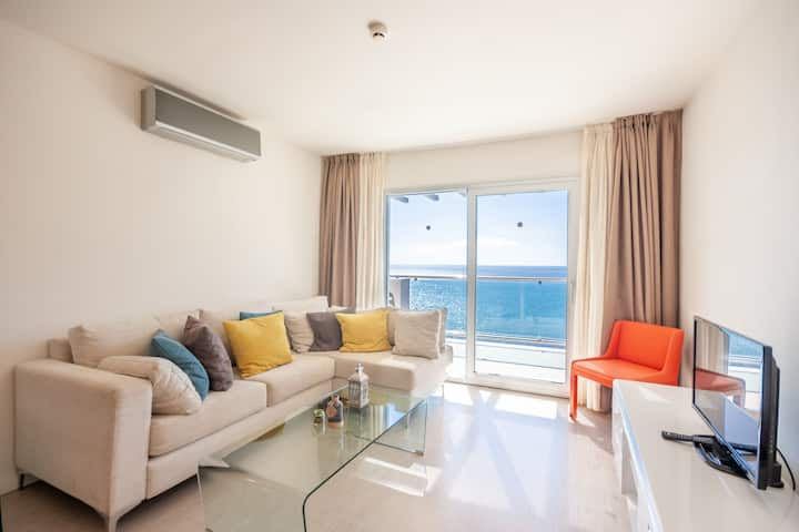 Superior 2 bedroom, Sea view, easy access to beach