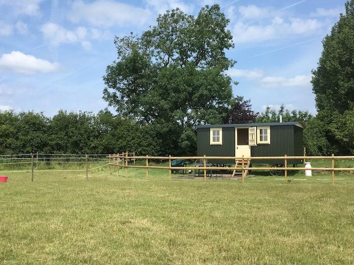 Oxton Hill Hideaway Paddock View Shepherds Hut