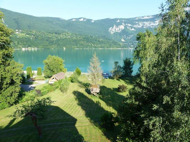 Lac DAiguebelette  Avec Photos Top  Des Logements  Lac D