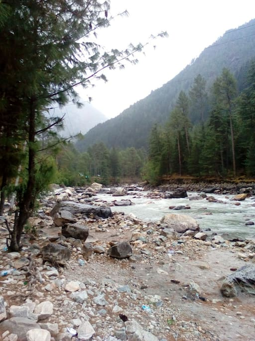The mighty Parvati river on the way to God Valley