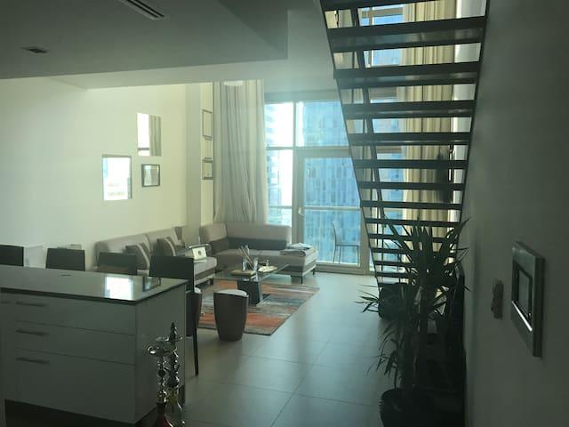 Cozy Duplex - 100m to metro!