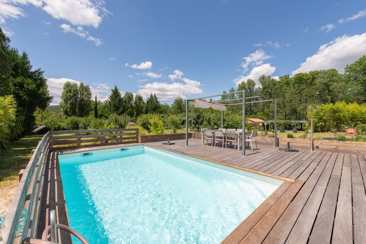 Deluxe Holiday Home in Gagnières with Private Swimming Pool