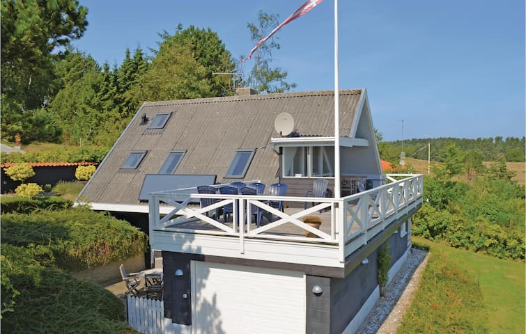 Holiday cottage with 3 bedrooms on 79m² in Ebeltoft