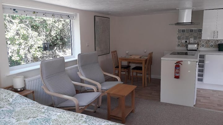 Old Orchard Studio Apartment in the Peak District