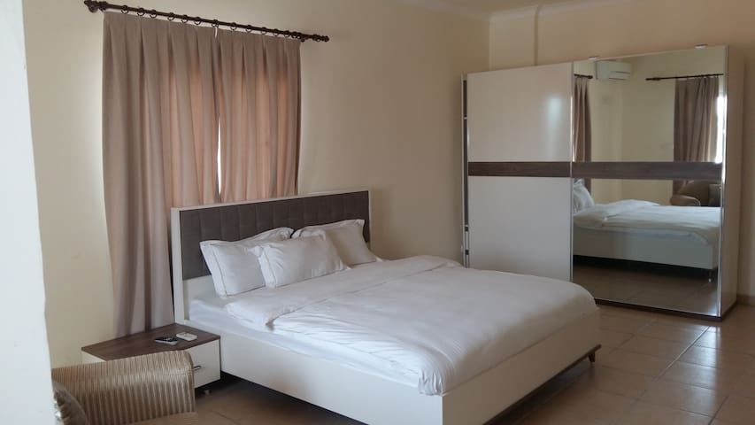 Mikhael's Executive Room N°1 - Brazzaville - Bed & Breakfast
