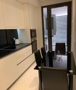 Excelente apartamento Palms Residence