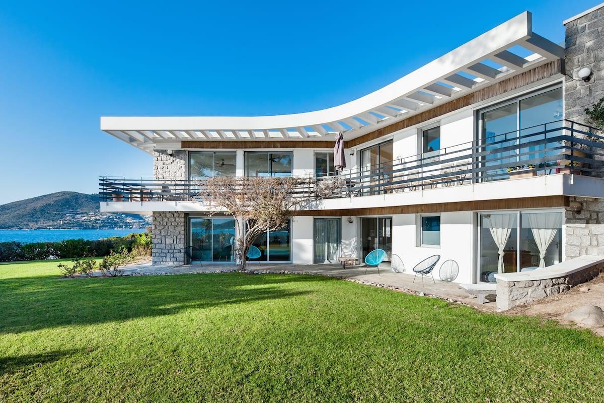 Villa exceptionnelle avec accès privé à la mer
