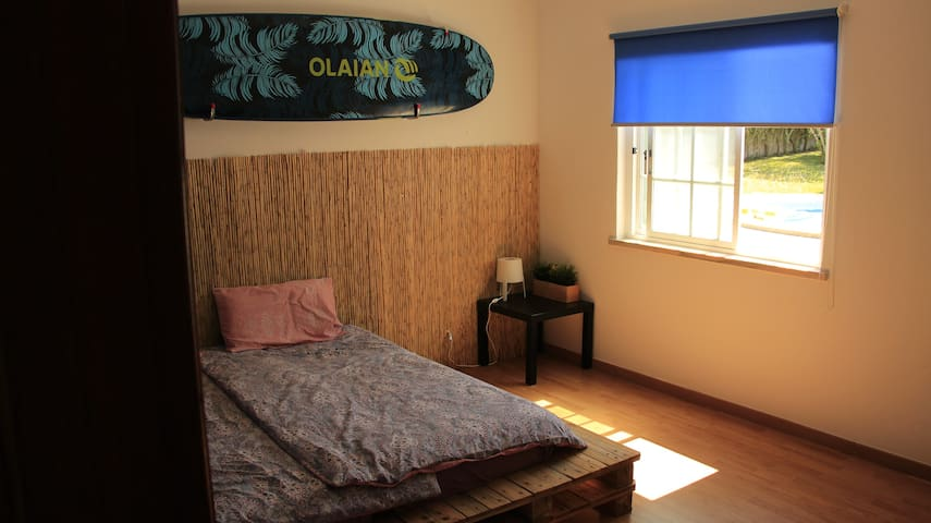 Chill surf lodge