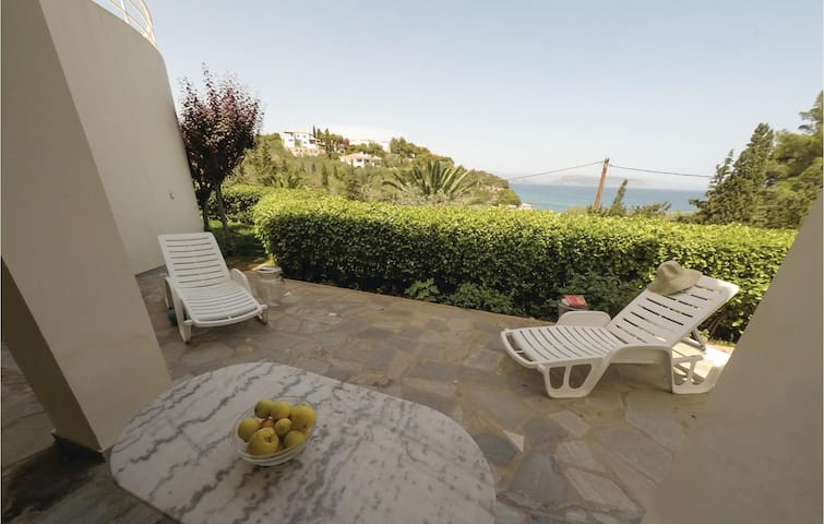 Holiday apartment with 2 bedrooms on 72m² in Porto Heli Ermioni
