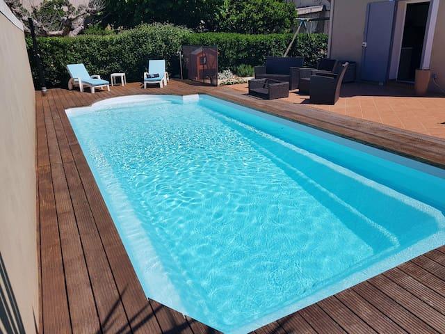 Appart spa privé & piscine proche plages/calanques