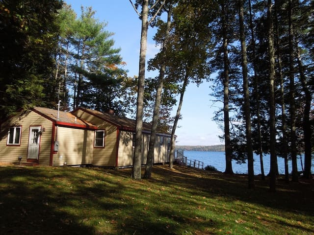 Gould Road Three Bedroom Damariscotta Lakefront cottage in Jefferson, Maine