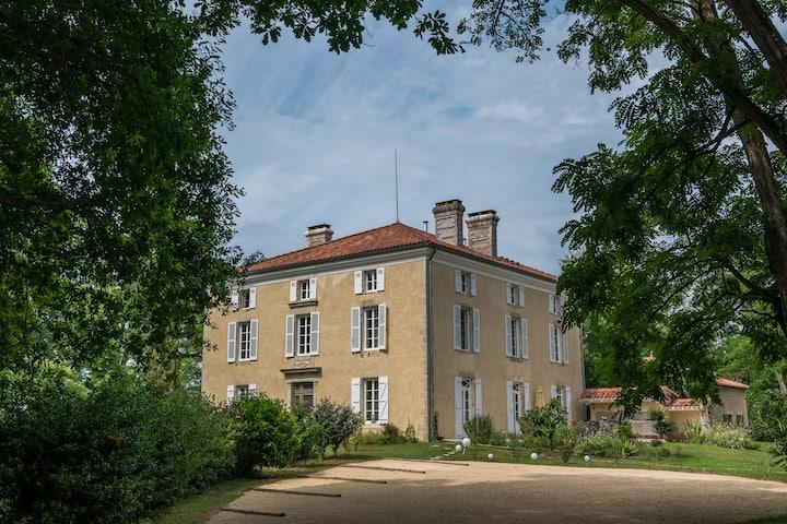 Lou Castet de Lussolle - Chambre d'hôte Magnolias