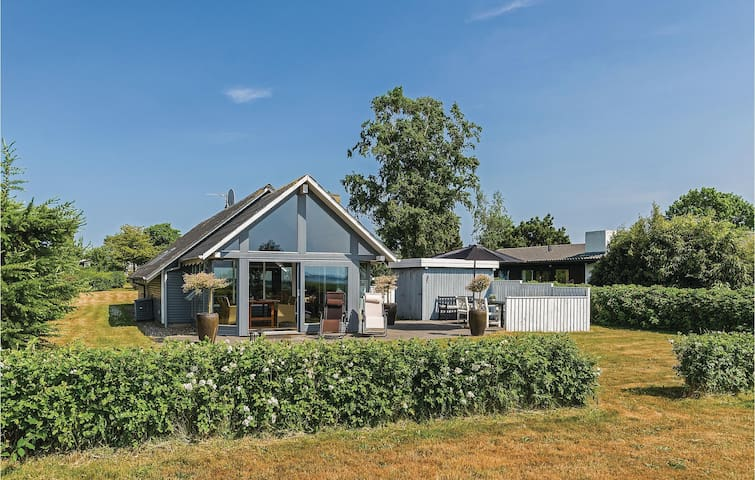 Holiday cottage with 3 bedrooms on 80m² in Svendborg
