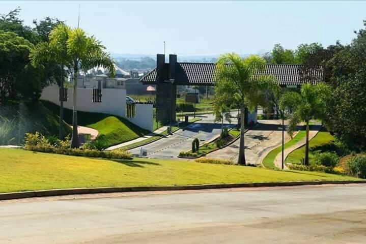 Hermosa casa en Las Fincas. para 3,6 y 12 meses.