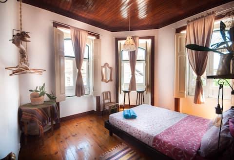 Cozy Room in VFX, 20min away from Lisbon