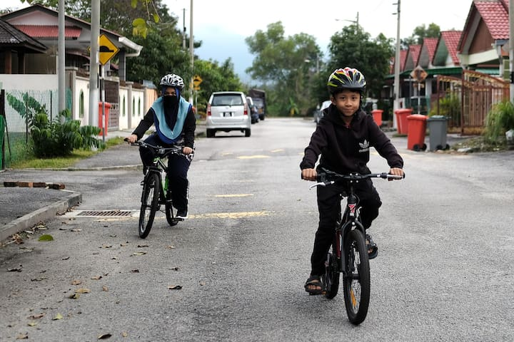 We also provide two (2) mountain bikes for rent (RM15/day/unit), complete with safety equipment like helmet and knee/elbow guard