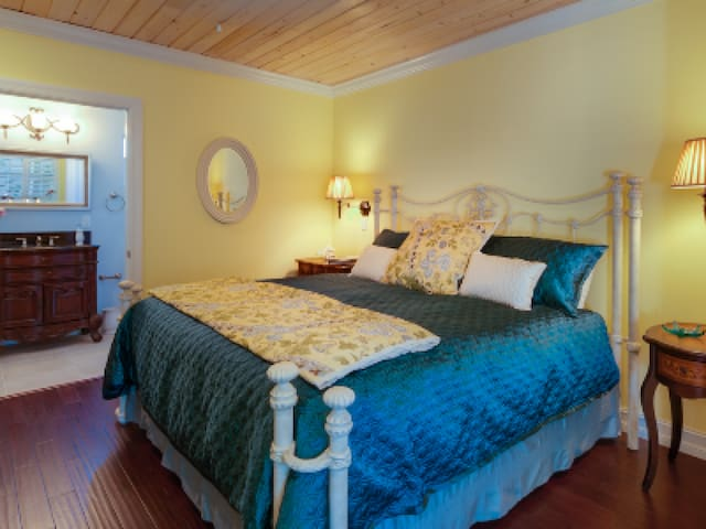 Double room-Ensuite-Standard-Driftwood Lagoon