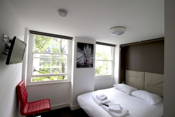 *** Charlote Central London B&B - R2 - London - Bed & Breakfast