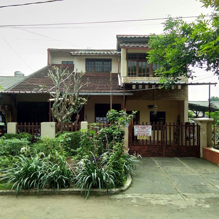 Sagu bedroom at Puspaloka Homestay,Cimanggis Depok